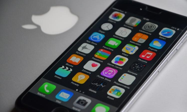 Bajo pronóstico de ventas del iPhone X arruina la Navidad de Apple