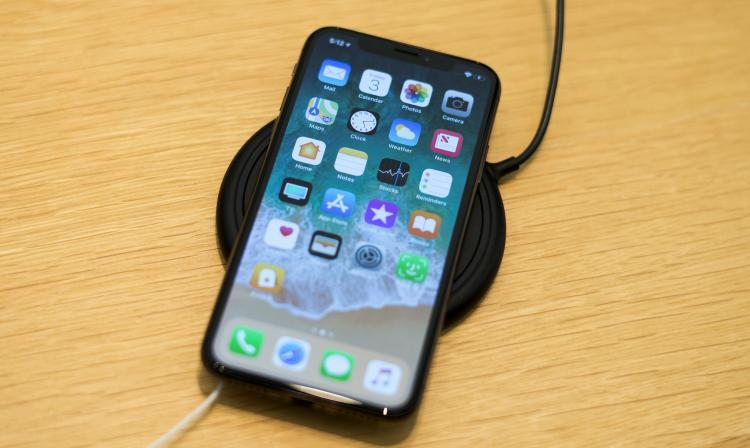 Todo mal: Reportan problemas de carga en los iPhone XS