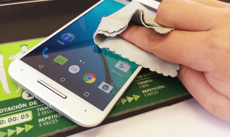 Resultado de imagen para limpieza smartphone pantalla
