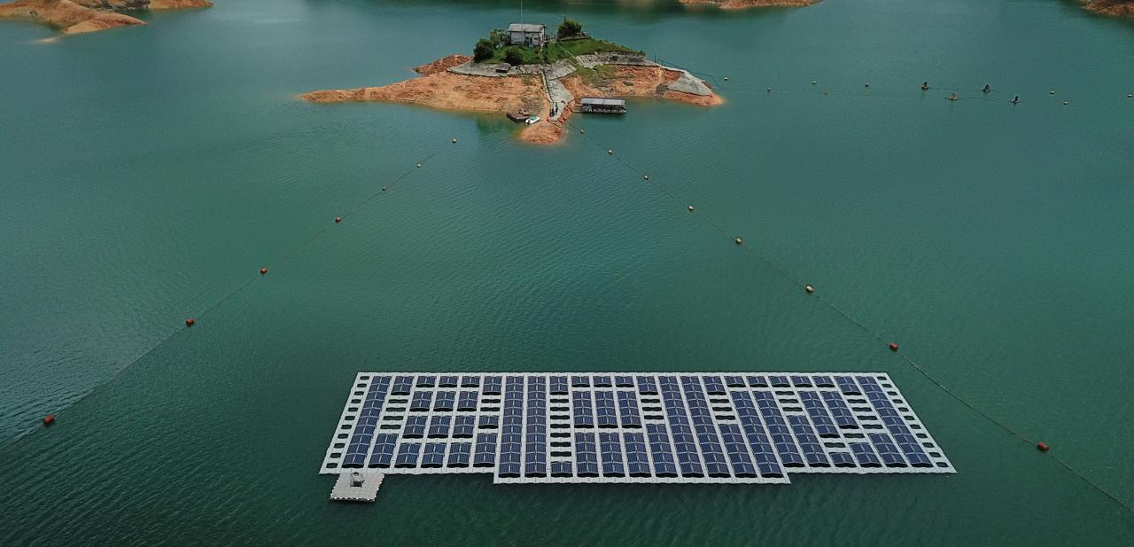 El proyecto piloto de parque solar flotante de Erco Energía.